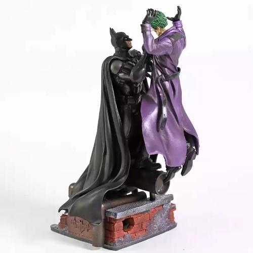 DC COMICS – Φιγούρα 28cm – Batman vs Tzoker